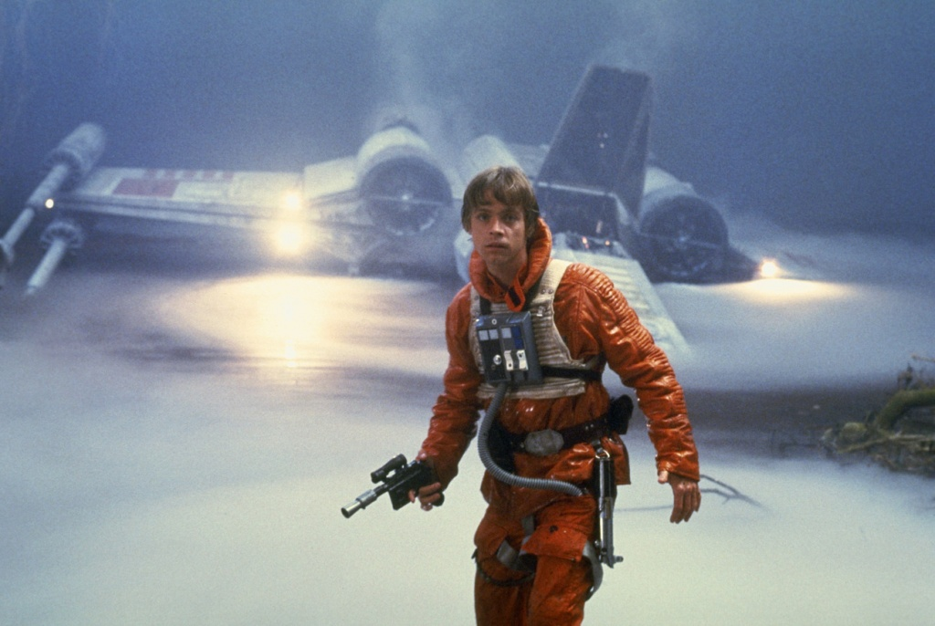 Luke-Skywalker-luke-skywalker-38132297-1300-872.jpg